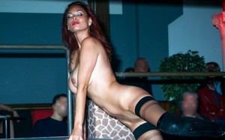 Asian Striptease